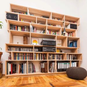bibliothèque sur mesure bois