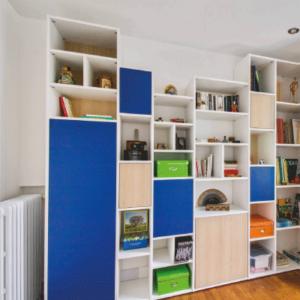 mobibam bibliothèque en angle blanc et bleu électrique